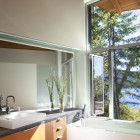 The Minimalist Retreat: Shuswap Cabin by Splyce Design
