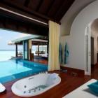 Bathubs view the Beach Anantara Kihavah Villas