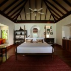 Bedroom With timber and Marbel Anantara Kihavah Villas