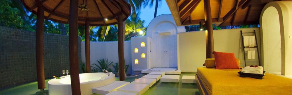Bedroom and Oversized Bathtubs or Two Anantara Kihavah Villas