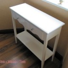 Medium White Table With Doble Rack