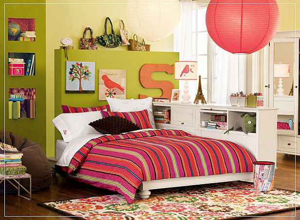 Minimalist Green Teen Bedroom