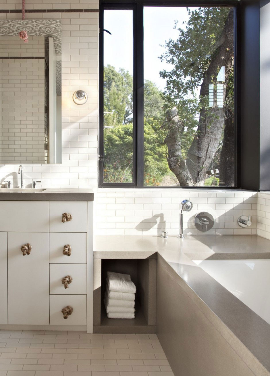 Modern Bathroom with a Single Bathtub Hillside House