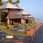 Sunbathe Anantara Kihavah Villas