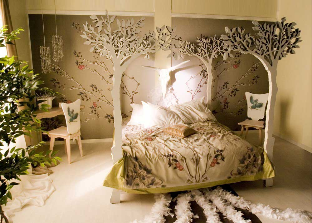 Amazing And Artistic Beige Bedroom Like In The Jungle Interior Design Ideas
