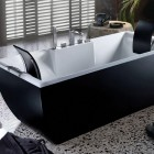 Awesome Black and White Bathtub by BluBleu