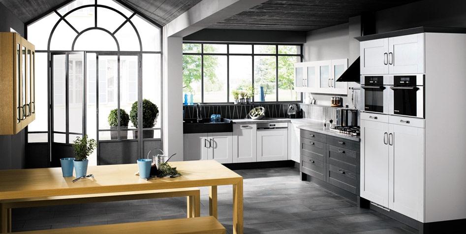 Classic black and white kitchen design interior design ideas for Classic white kitchen designs