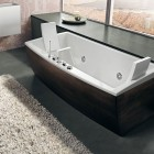 Dark Timber Finish Bathtub with Rugs by BluBleu