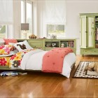 Elegant Teen Rooms for Girls with Polcadot Rug