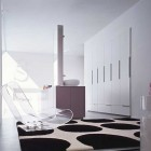 Luxury Bathroom Design with Polcadot Rug