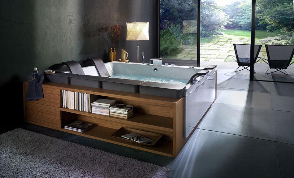 Modern Bathtub with Storage by BluBleu