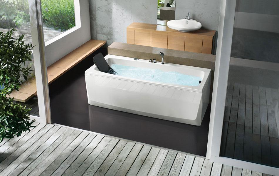 Modern Rectangular Bathtub With Head Rest by BluBleu