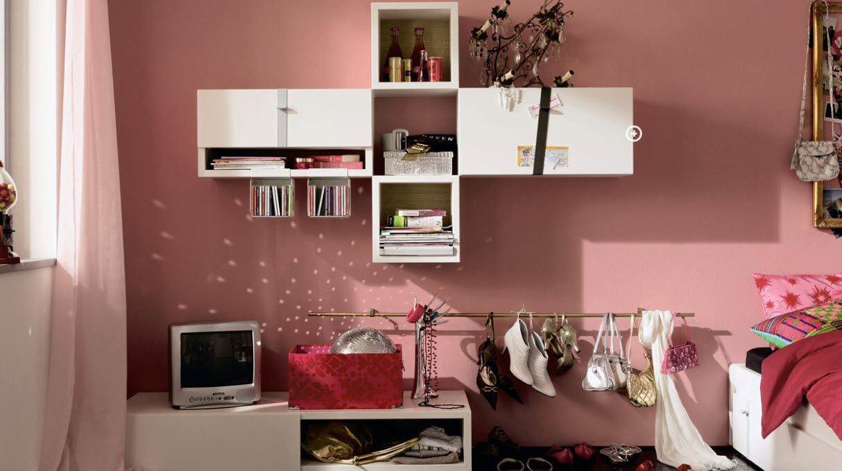 Pinky Trendy Teen Bedroom With White Bookcase Interior