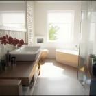Shining and Contemporary Bathroom by Phanox