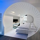 Beautiful White Room V8 Hotel