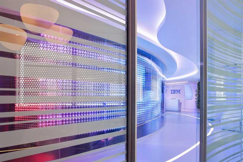 Futuristic Interior of IBM Executive Office in Rome - Architecture ...