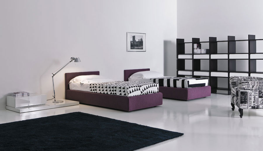 Cool teen room designs with purple bed and black rugs for Purple teenage bedroom designs