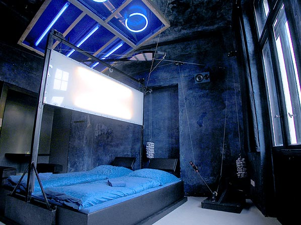 unique and bizarre themed rooms decoration bedroom