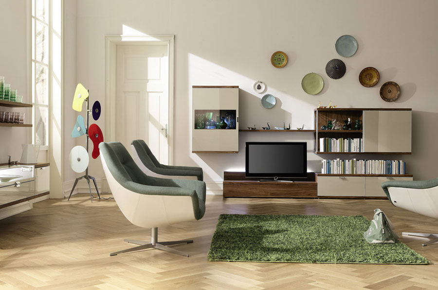 Geometrical Art Enlivens Living Room with Grass Rugs