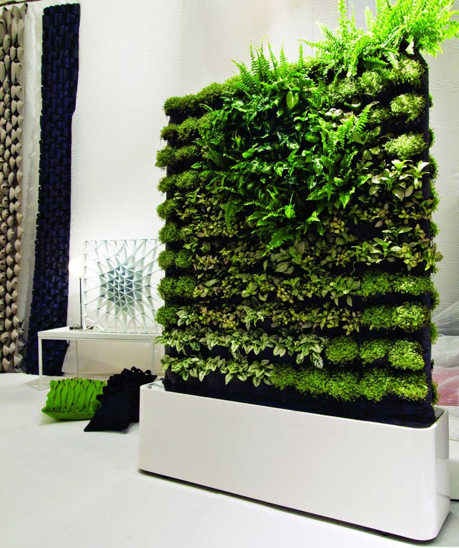 Mobile green wall decoration interior design ideas - Decorating ideas walls ...
