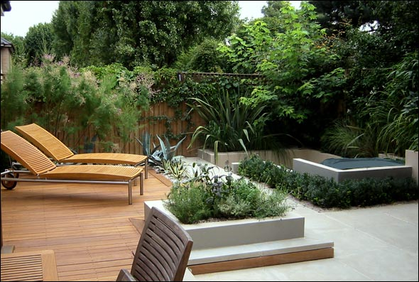Modern Wooden Deck with Beautiful Garden with Twin Floor ...