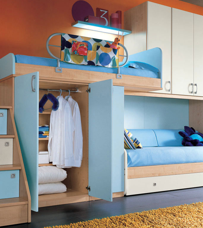 orange wall and sea blue color bunk beds furniture interior design ideas. Black Bedroom Furniture Sets. Home Design Ideas