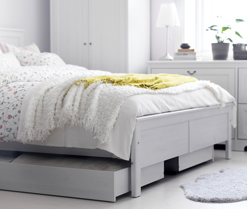 Shining white bedroom with white rug from ikea interior for White bedroom rug
