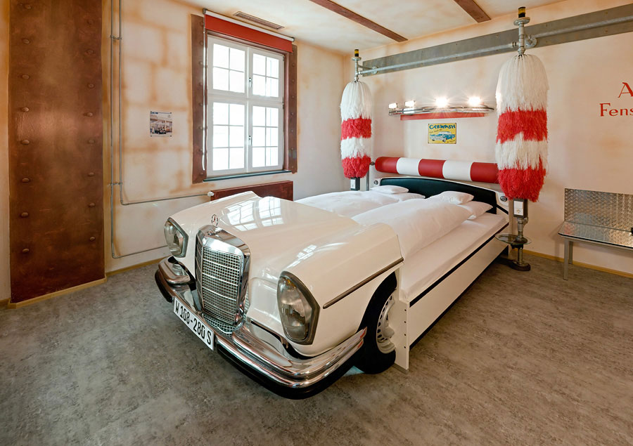 V8 Hotel Car Wash Bedroom Design