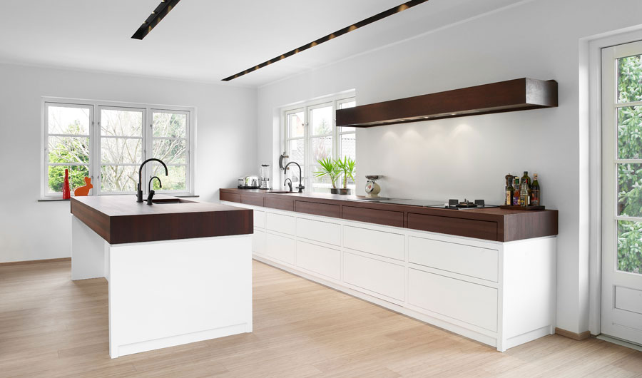 Awesome Kitchen Design with Wood Furniture