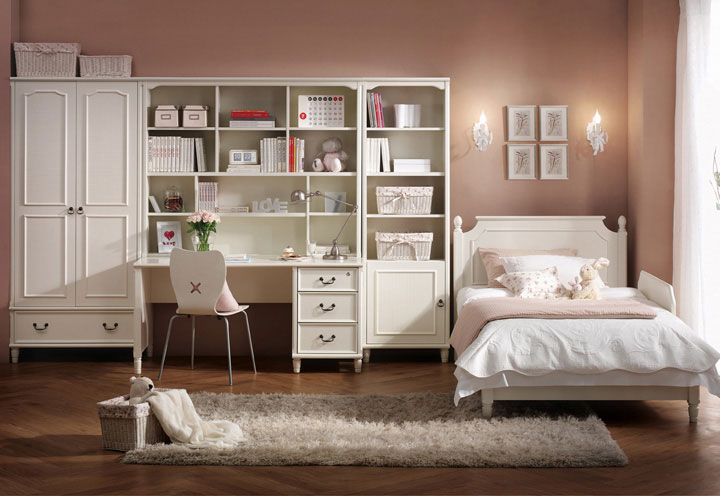Beautiful students bedroom furniture with wooden floor for Beautiful bedrooms rooms