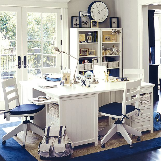 Modern Study Room Design: Blue And White Study Room With Modern Study Lamp