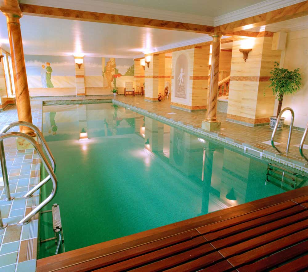 Awesome indoor pool designs ideas design ideas for Interior swimming pool