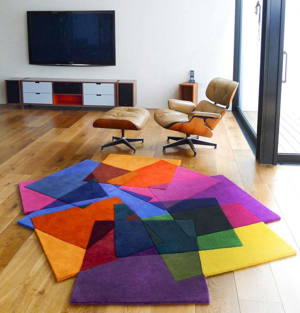 Elegant Leather Chairs in Living Room with Cool Rugs