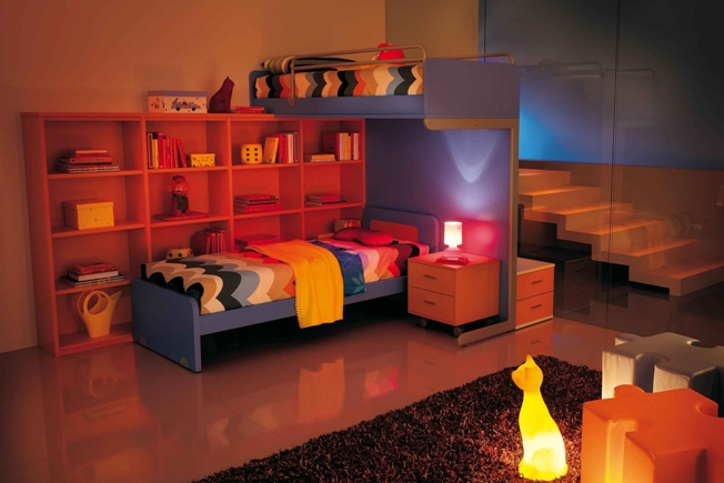 Kids Bunk Beds Designs for Two Children with Cat Pet Lamp