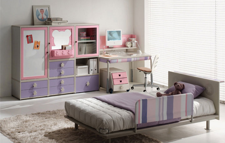 Pink and Violet Student Room Furniture with Funy Mickey Mouse Mirror Frame