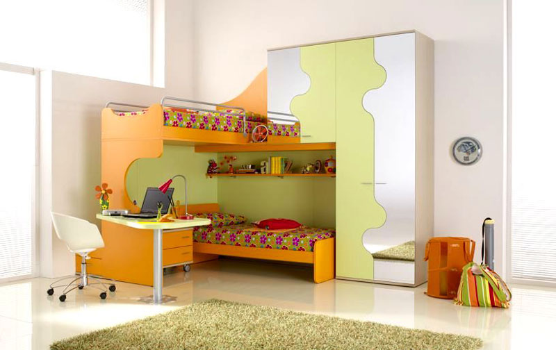 Smart Girl Bunk Beds with Floral Bedcover Design
