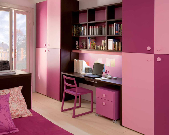 Sweet Pinky Girl's Room Design with Study Desk