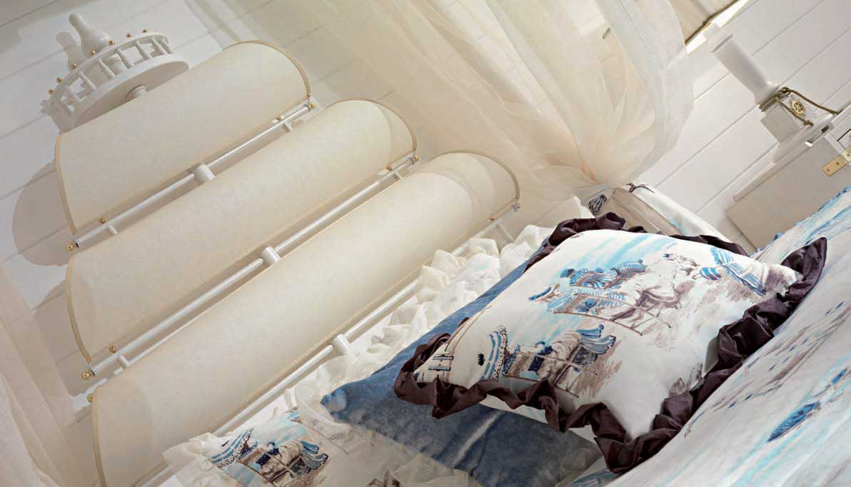 Ocean Theme Bedroom in white and blue: http://www ...