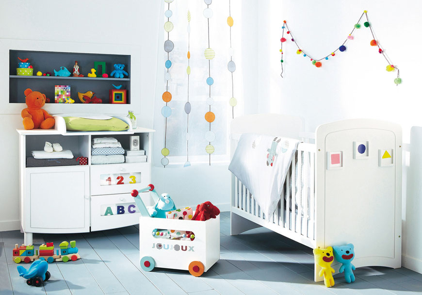 Modern white and colorful accents baby room ideas for Modern nursery decor
