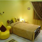 Standard Yellow Bedroom Design