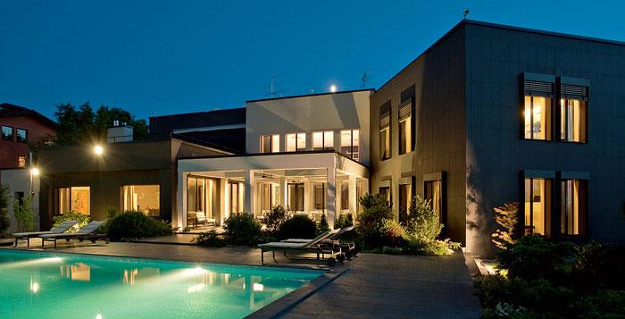 Amazing Lighting Ultra Modern House