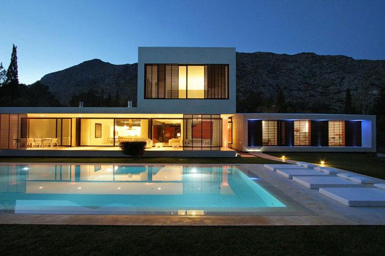 Beautiful Pool House Illumination