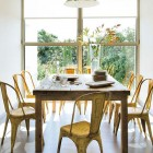 Clasic Dining Table on Modern Kitchen