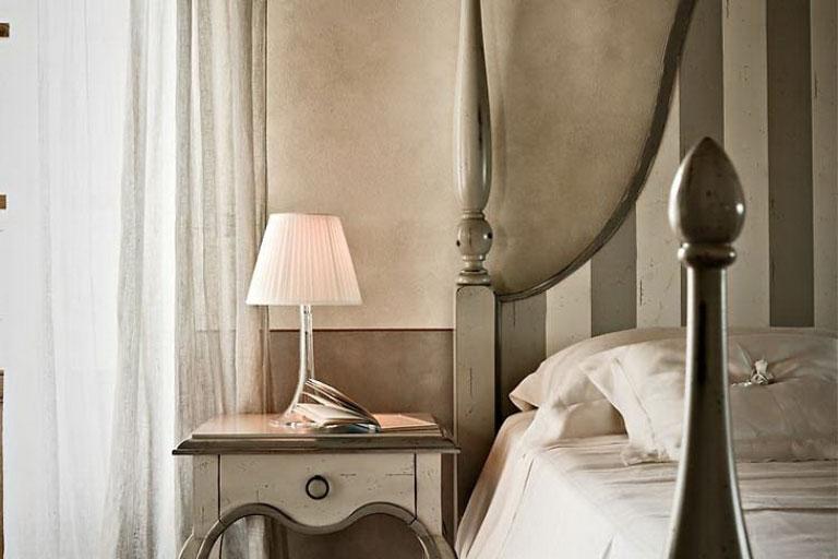 Classic Beautiful Bedroom Lamp and Table Lamp Design