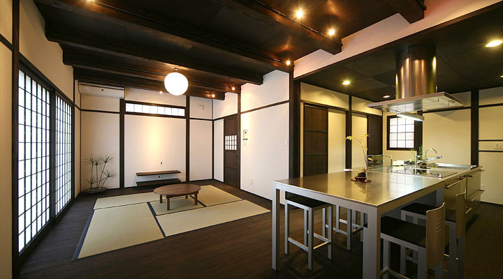 Japanese zen dining room with shoji sliding door for Zen style kitchen designs