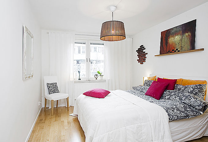 Main bedroom apartment with pink pillow interior design for Main bedroom designs