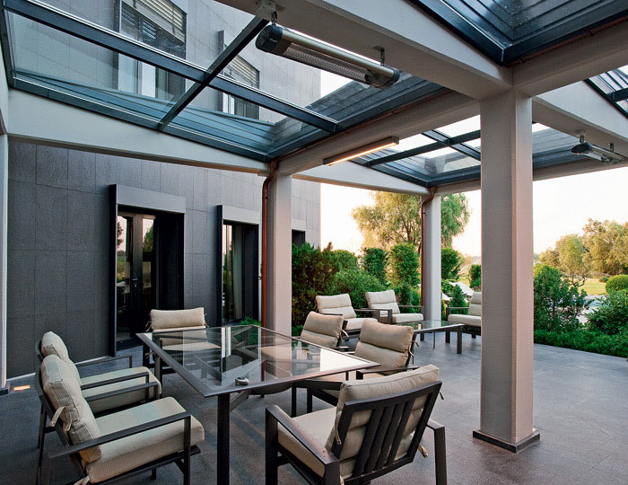 Modern Lounge with Glass Roof Design