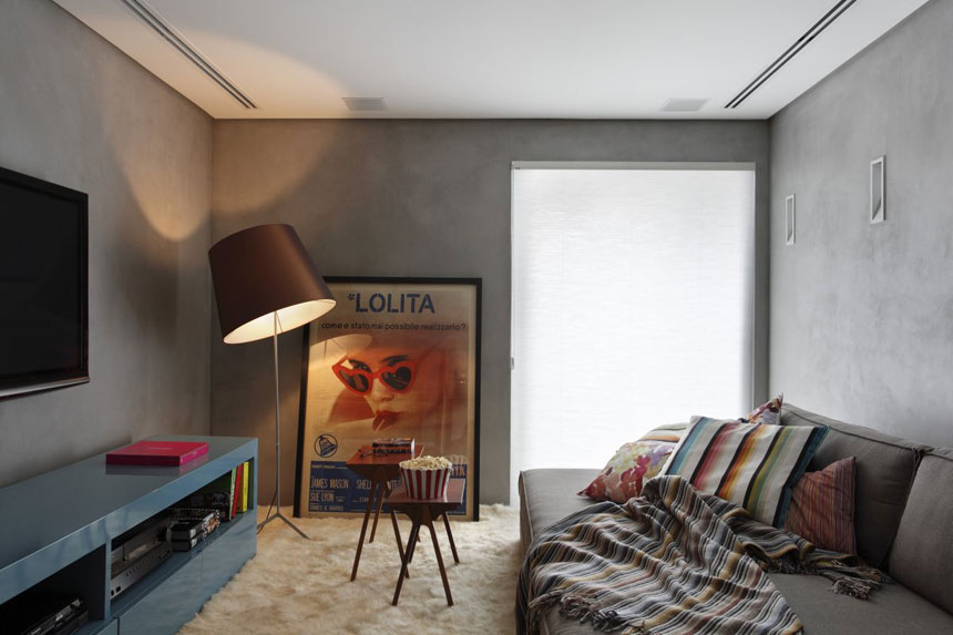 Simple Home Theatre in Apartment