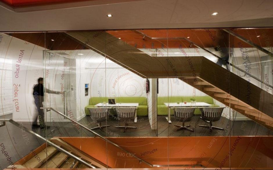 Glass Wall Office Spasce Ideas