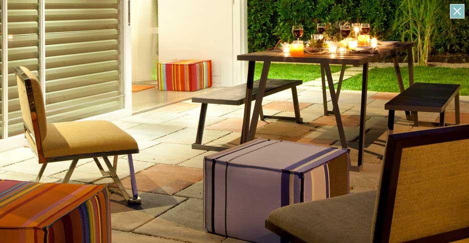 Romantic Outdoor Garden Dinning Table
